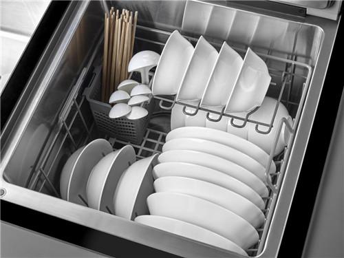 方太水槽洗碗机:优化厨房动线,下厨不再手忙脚乱