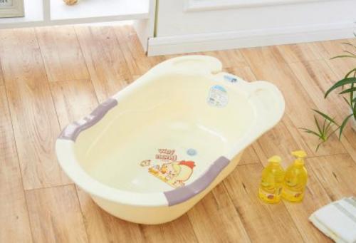 夏季婴幼儿怎么洗澡,产科护士长手把手教你5招!