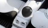 海尔车载空气净化器高效除污染 拯救老司机