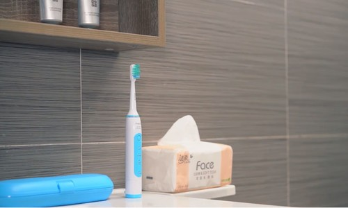 告别传统牙刷表面清洁,Vrecx声波震动牙刷还你一口健康好牙