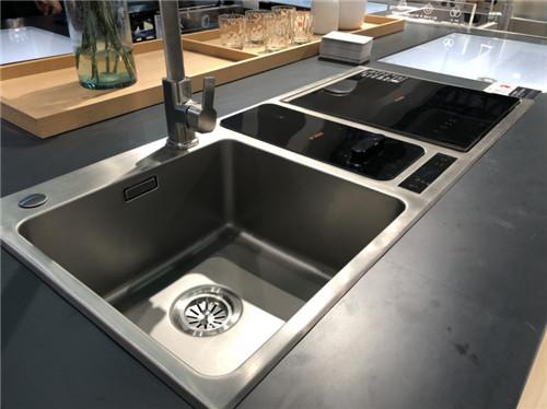 你与品质生活的距离,其实中间只差了一台方太水槽洗碗机