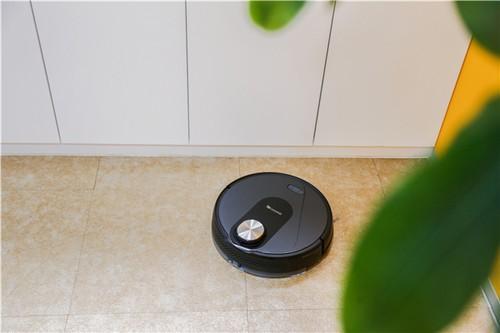 扫地机器人好用吗?功能更多样操控更便捷
