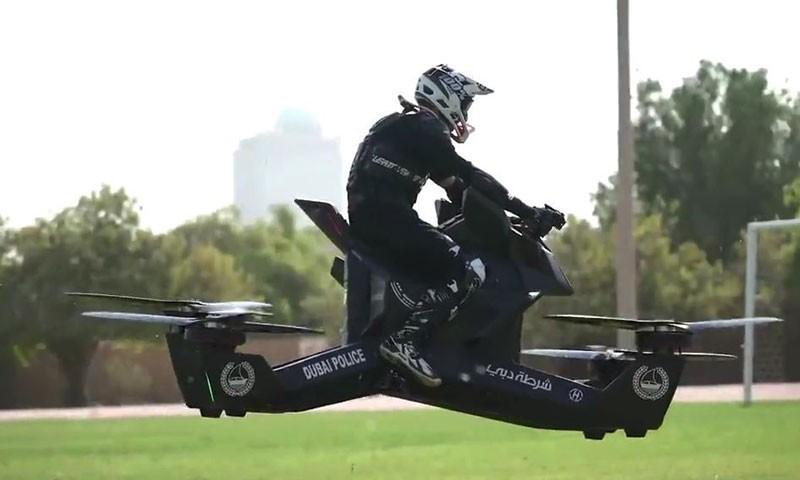 """迪拜""""神壕""""们都开始玩飞行摩托了,然而你还在挤公交"""