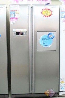 豪华家居不可少 三星银色双开门冰箱热卖
