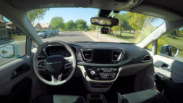 """""""无人驾驶""""日趋成熟,Google 在下个月将开启无人驾驶出租车服务"""