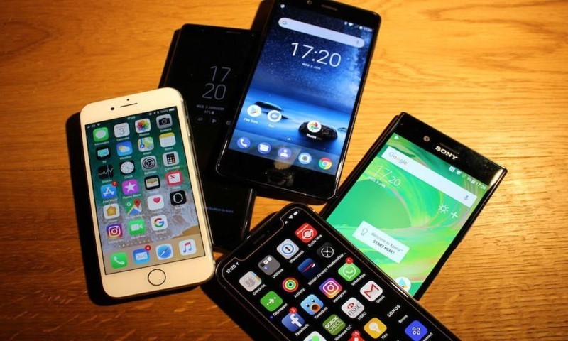 科技早闻:去哪儿否认裁员;新款iPhone国内变相降价