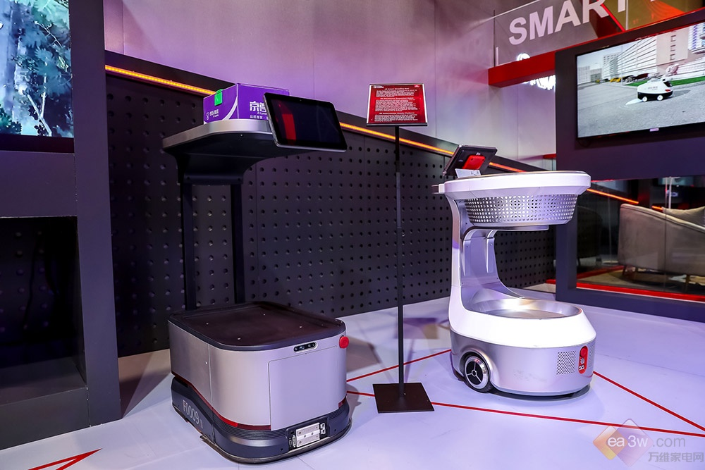 京东智能物流闪耀CES2019,机器人配送站首次在海外发布