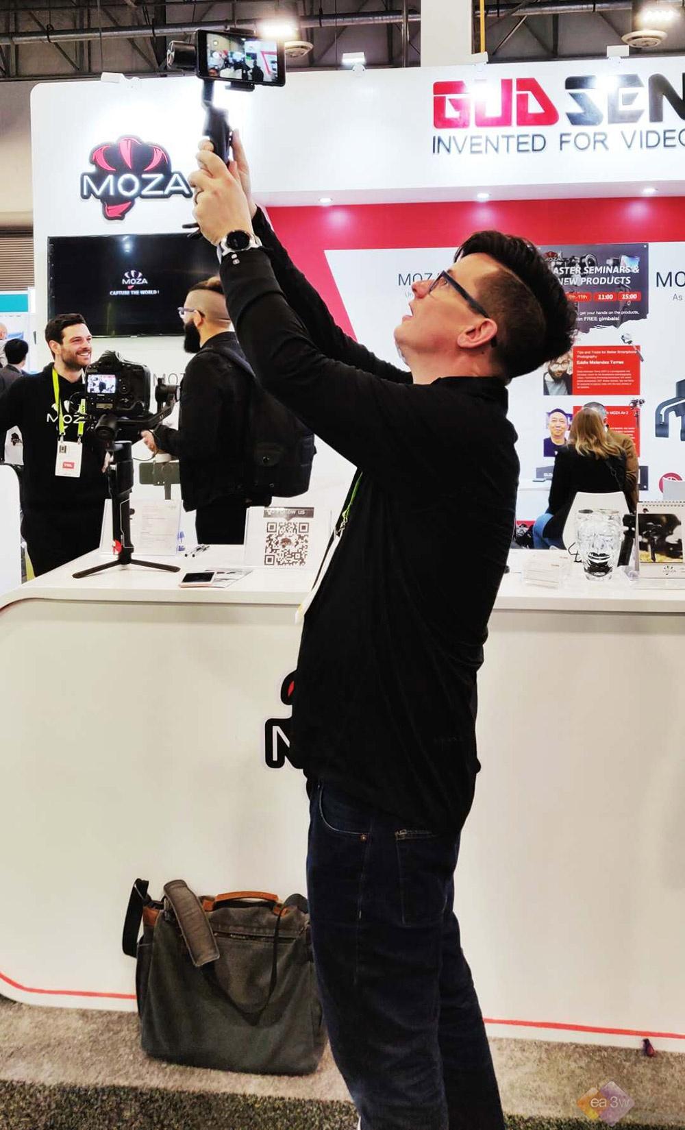 CES 2019 : 魔爪稳定器发布年度首款新品