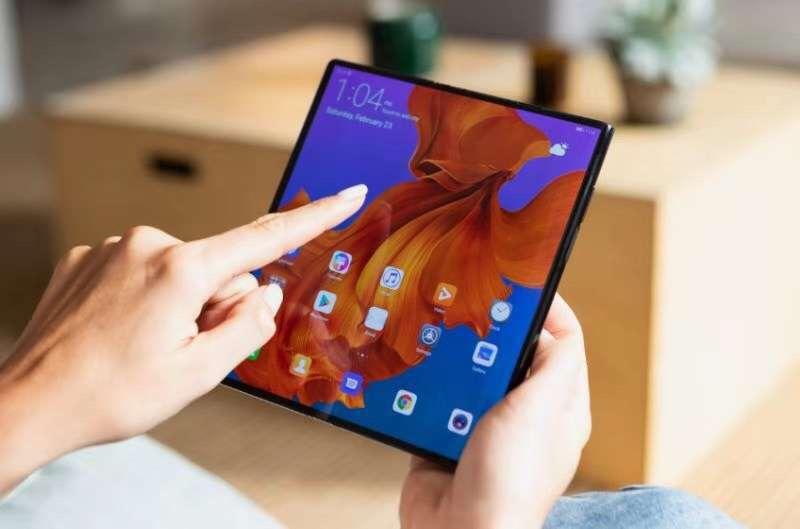 华为Mate X&苹果,两大折叠屏手机你更喜欢谁?