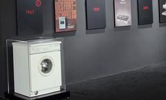 """穿越27年""""时光""""的洗衣机惊艳AWE2019  AEG演绎匠心品质"""