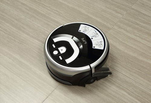 顽固污渍用水洗更干净 懒人必备W400洗地机器人