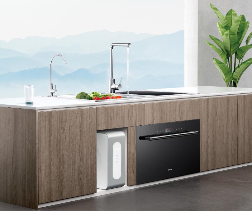 净水纯水随心换!老板中央净水机创新双出水设计开启厨房净水时代