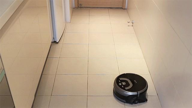 ILIFE智意W400洗地机器人亮相天猫新清洁革命发布会