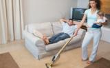 强劲吸力,高效吸除家中灰尘,家用手持吸尘器哪个品牌好?