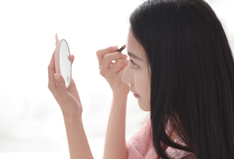 化妆小白变身美妆达人全靠它!Led化妆镜有用吗?