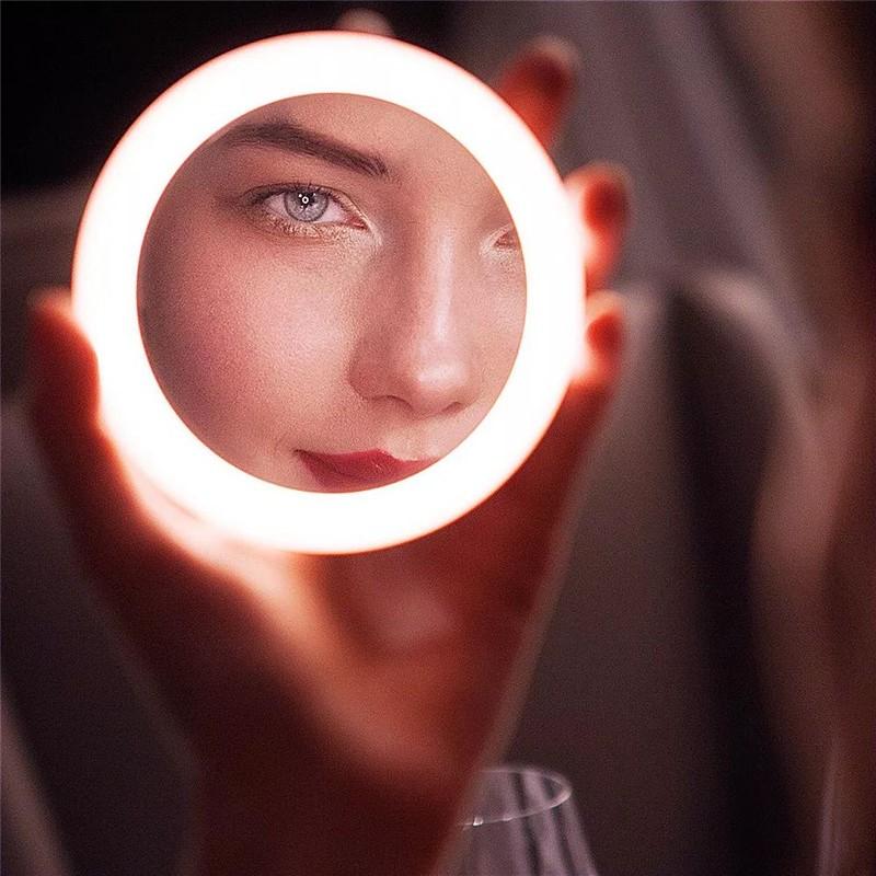 LED化妆镜好用吗?神奇化妆镜颠覆你想象