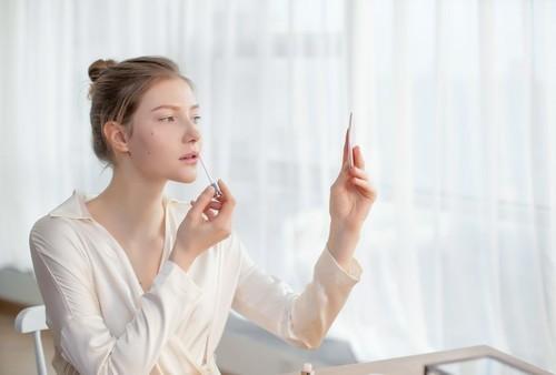 快过来看化妆镜品牌排行!它是你变靓的终极秘诀