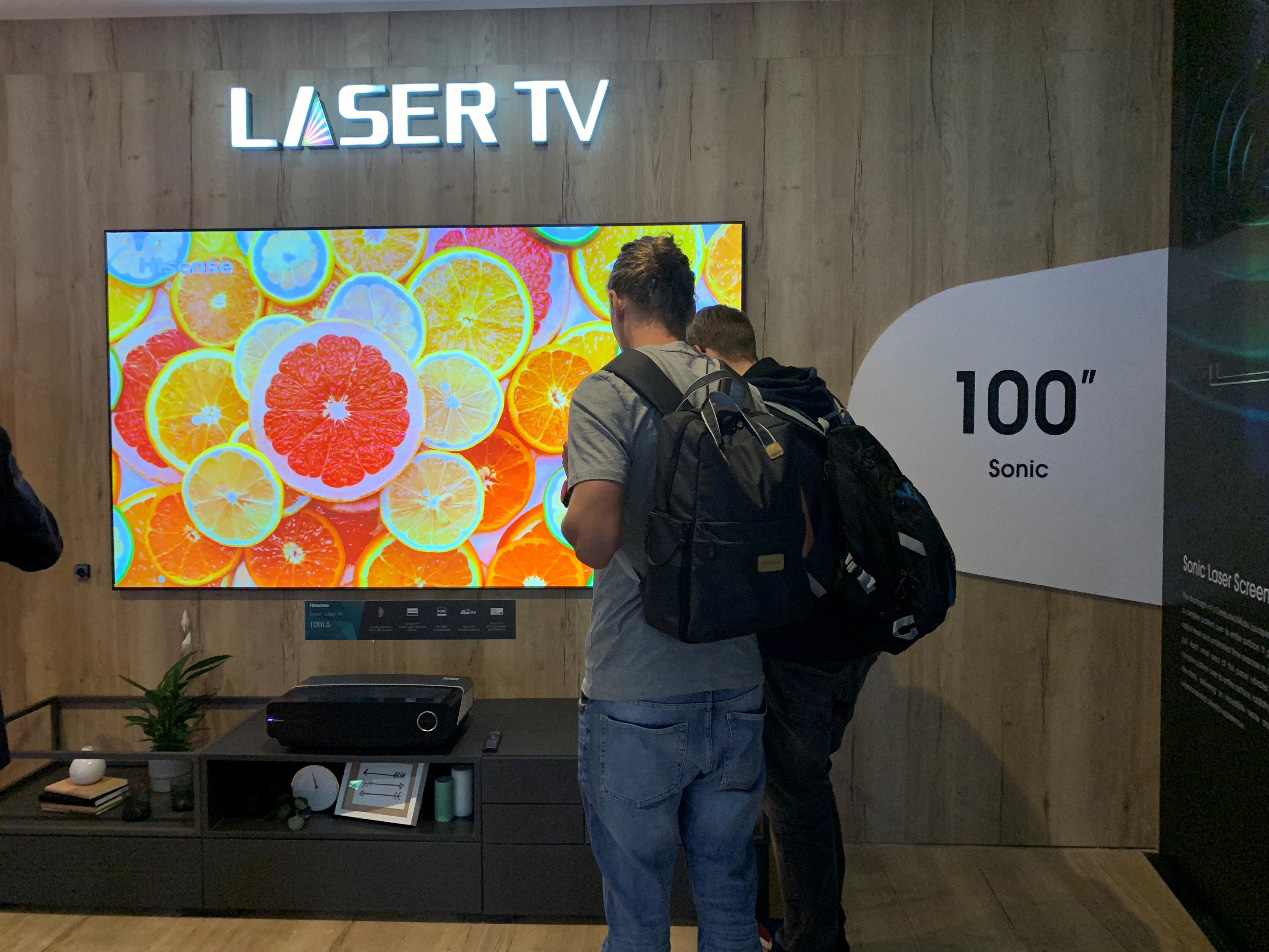 海信屏幕发声激光电视柏林IFA首度亮相!
