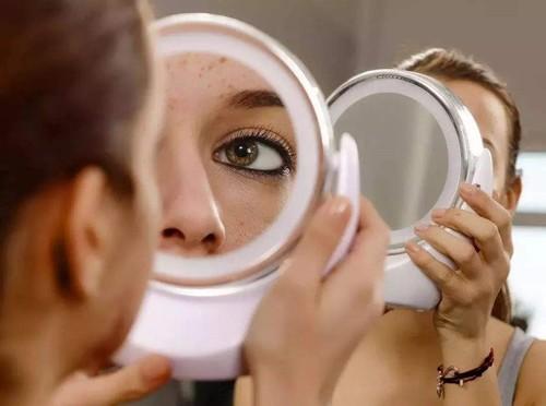 LED化妆镜哪个品牌好?精致女孩的必备单品