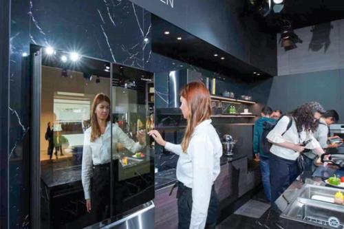 卡萨帝物联网双屏冰箱IFA展示饮食健康场景生态
