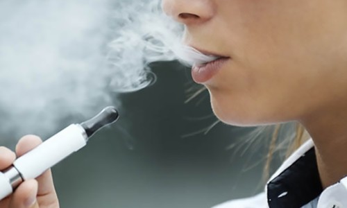 科技在早闻:雷蛇推出可为 iPhone 11 降温的保护壳,美国拟禁止调味电子烟上市
