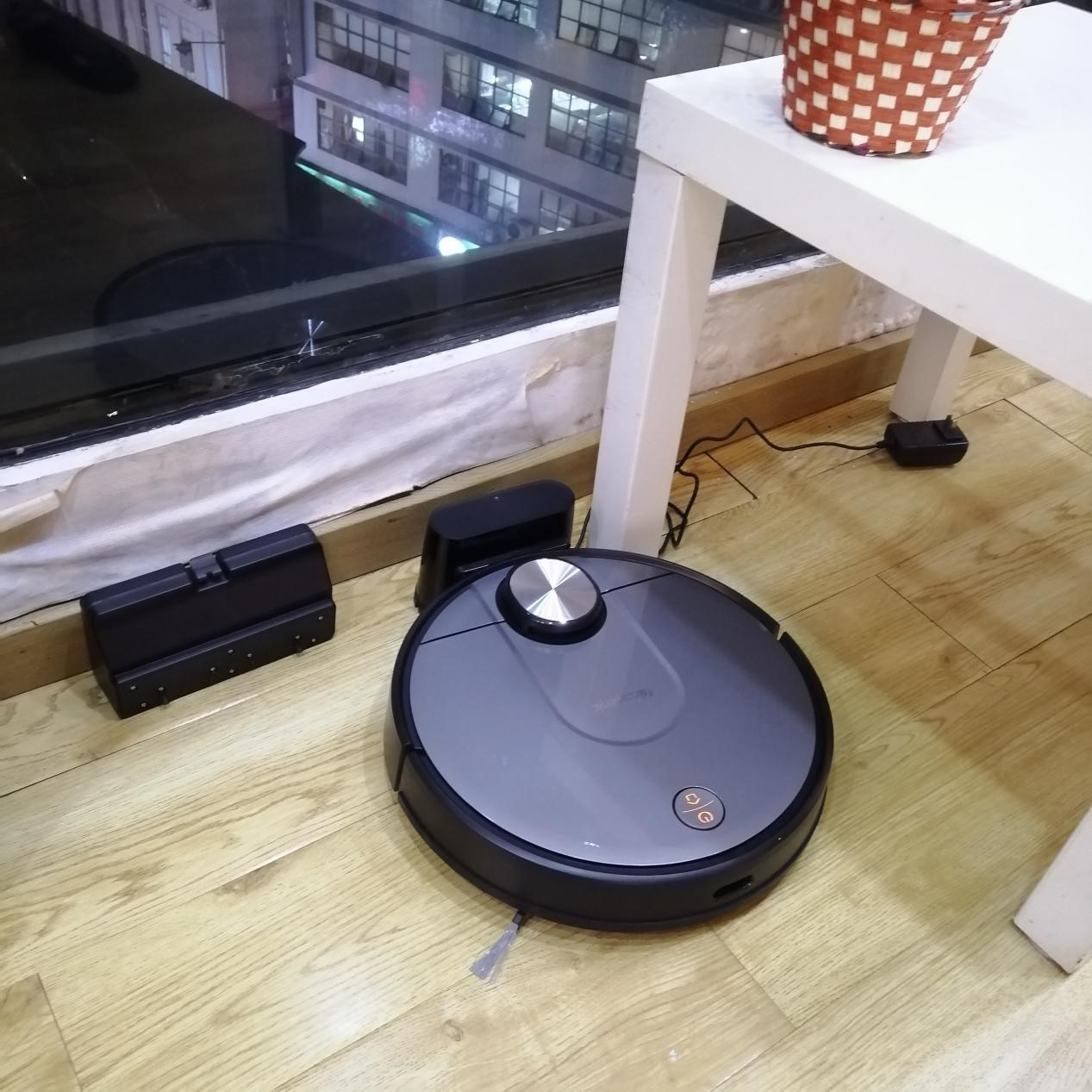 能智能规划清扫的扫地机器人,哪个更好呢?