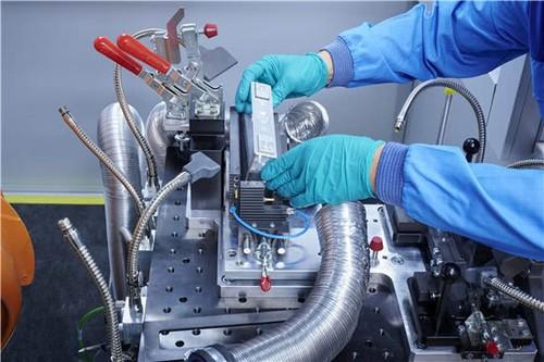 科技早闻:宝马集团启用全新电芯技术中心,三大运营商发携号转网细则