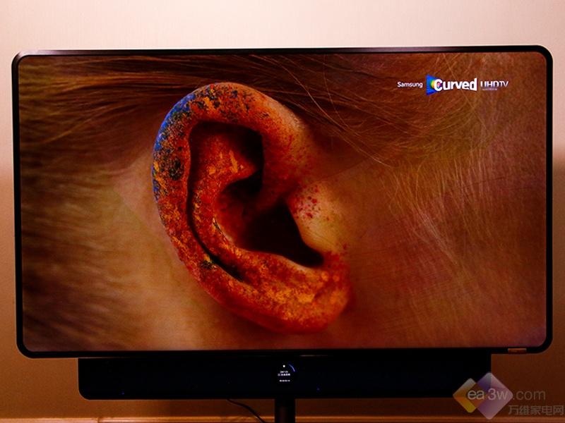 新家居美学初体验:科技向美而生,TCL·XESS 旋转智屏图赏