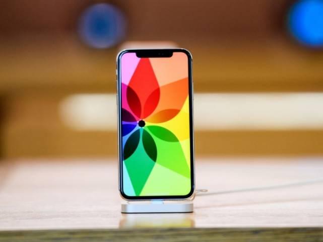 """科技早闻:iPhone12或将有4G版,微信团队回应""""部分用户朋友圈无法刷新"""""""