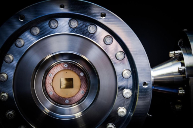 科技早闻:霍尼韦尔发布世界最强量子计算机!苹果将允许用户更改默认邮箱和浏览器