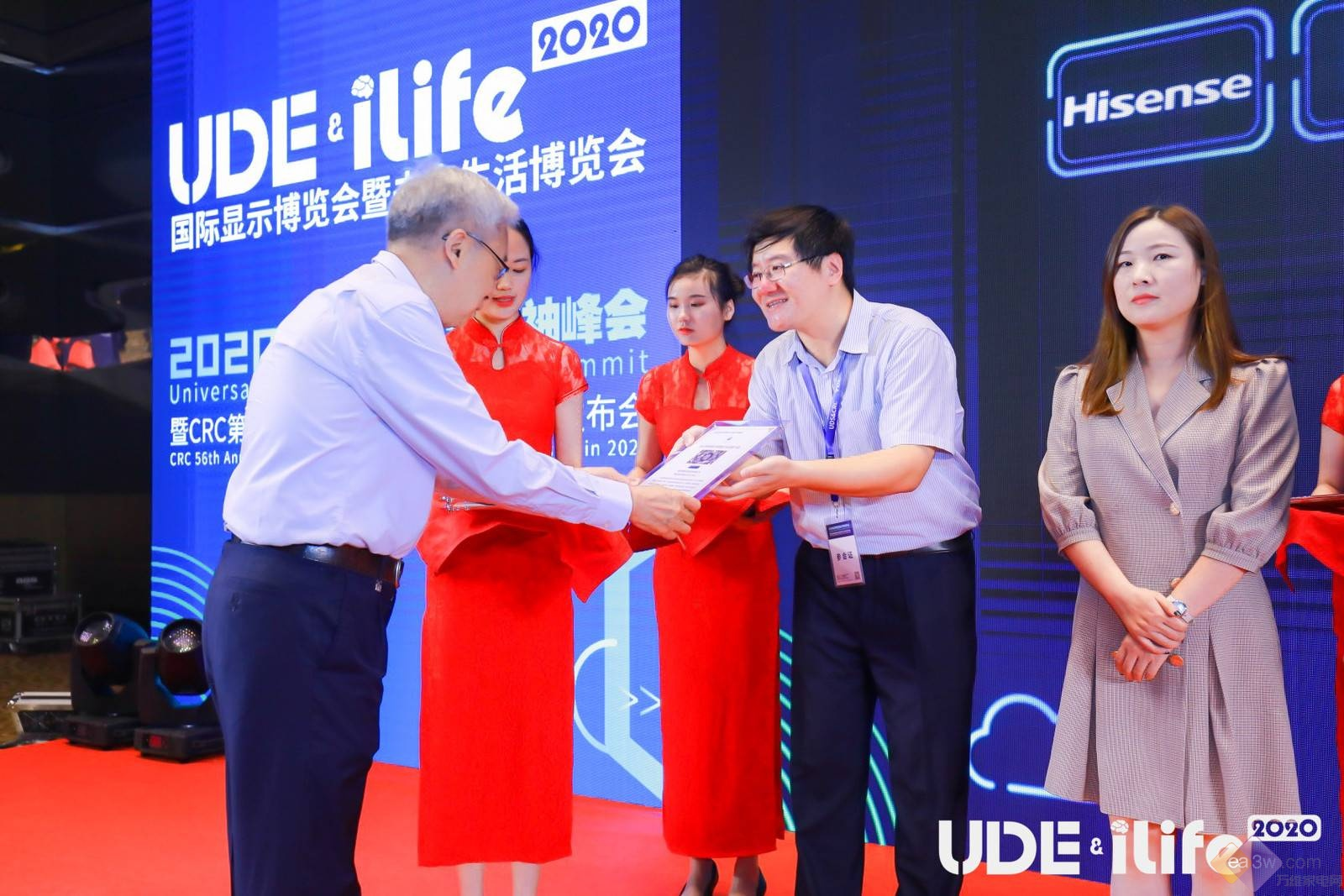 海信激光电视上半年增幅超33%,100L9-PRO斩获创新产品奖