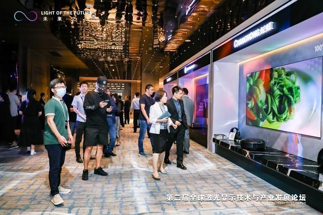 大数据显示:激光电视正在攻占年轻人客厅