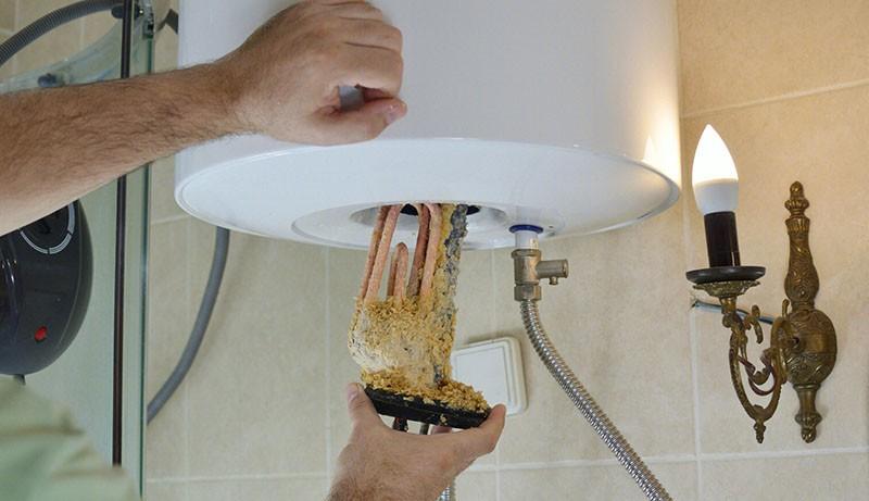 天天洗澡,那你知道热水器的储水箱多少时间清洗一次比较合适?