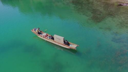挑战12小时0缓冲,卡萨帝电视远征泸沽湖与你共鉴4K观影巅峰体验