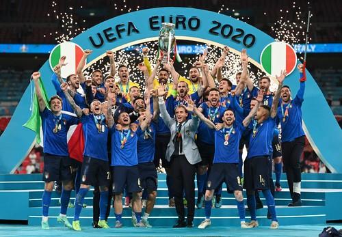 53年后意大利逆转夺冠!海信激光电视欧洲杯冠军之夜见证历史