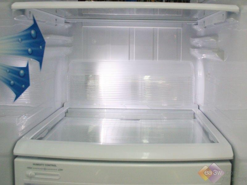冰箱内部摆放效果图 浴室挂件摆放效果图 带冰箱酒柜装修
