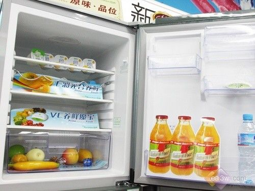 容声新品三门冰箱 新鲜设计国美热卖