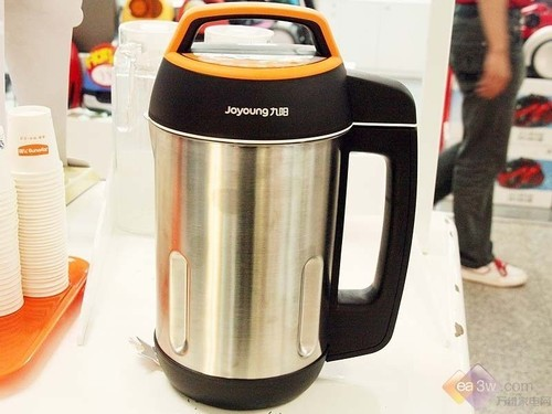 果蔬冷饮随时做 九阳DJ12B-A10豆浆机