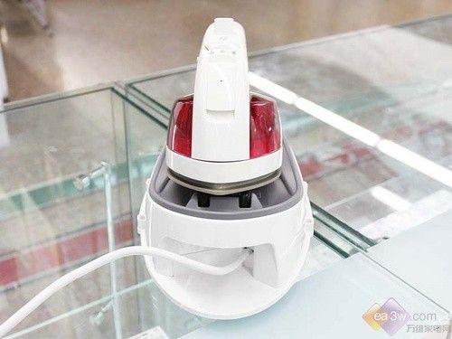 最具创意的新品 松下NI-WL30电熨斗