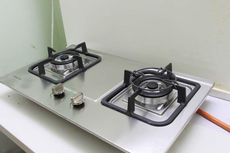 万和燃气灶官网_外观材质、旋钮 2010嵌入式燃气灶横向评测-万维家电网-厨卫频道