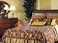 亚力山卓平靠式柱床组家居装饰图片