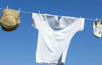 肥皂水洗刷化纤衣物