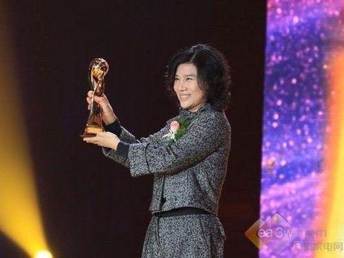 格力董明珠荣膺2010中国经济人物创新奖