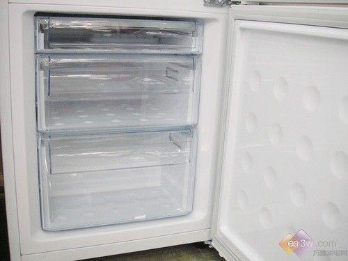 直降1000元 三星新品三门冰箱热卖